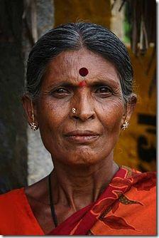 220px-Indian_Woman_with_bindi