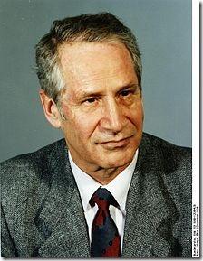 220px-Bundesarchiv_Bild_183-1989-1208-420,_Markus_Wolf