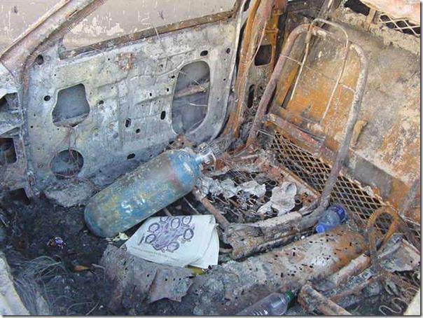 Oppløst bil men mineralvannflaskene i plastikk klarte seg 11. september 2001 World Trade Center