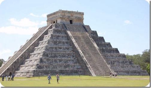 Aztecpyramiden i Cancun Mexico