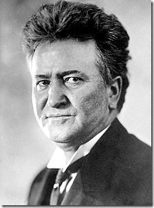 220px-Robert_M_La_Follette,_Sr