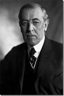Thomas_Woodrow_Wilson,_Harris_&_Ewing_bw_photo_portrait,_1919 (1)