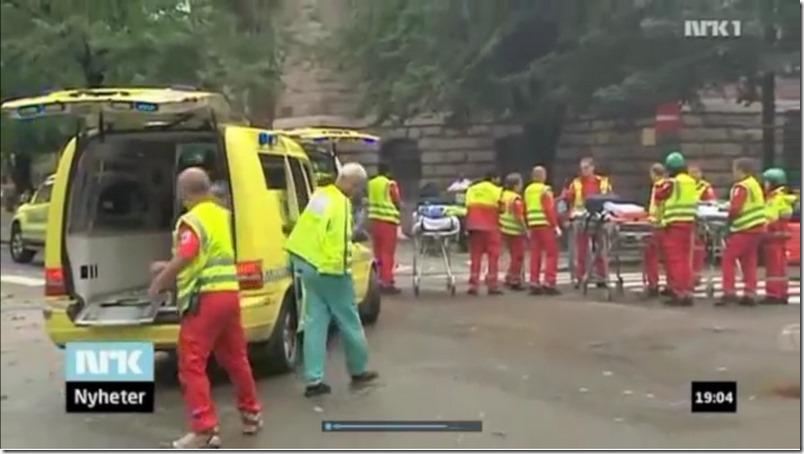 Så sto de der og klødde seg - ambulansepersonell og bårer i Akersgata