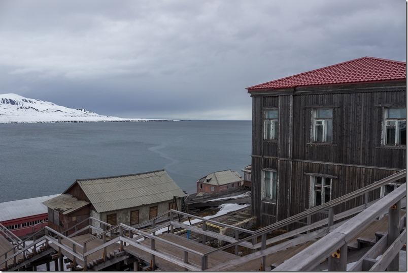 Gamle bygninger i Barentsburg (1 of 1)-3