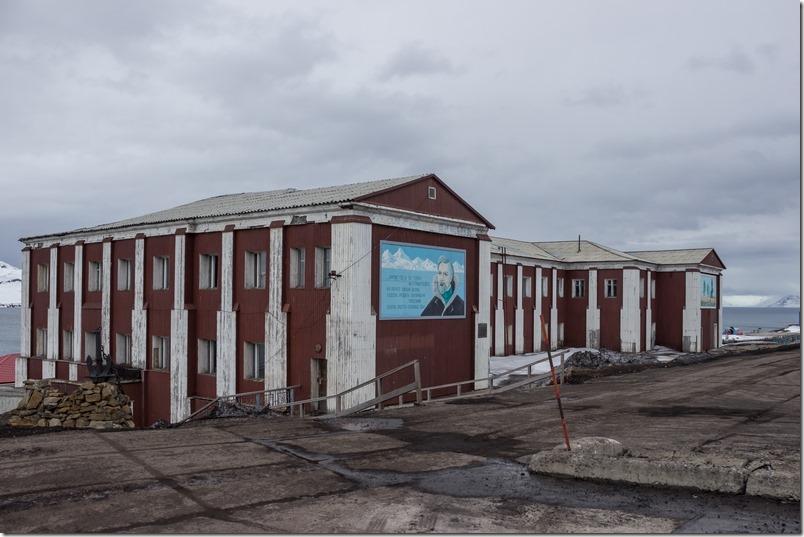 Gamle bygninger i Barentsburg (1 of 1)-4