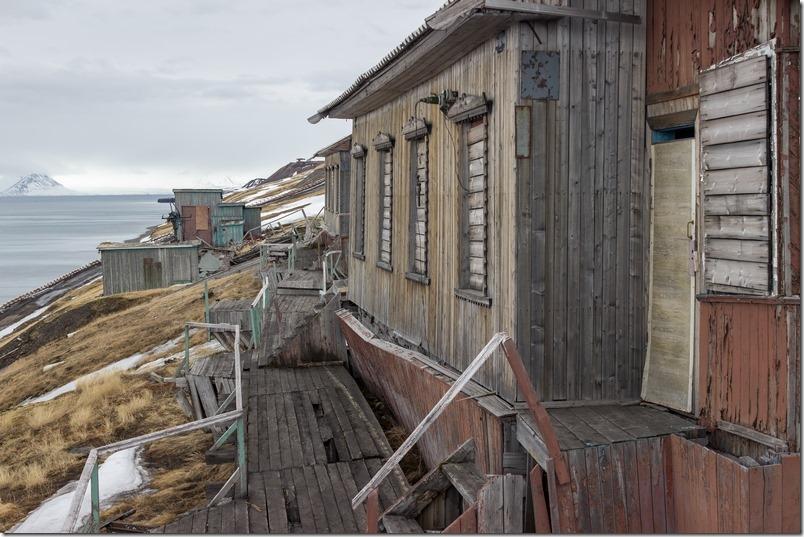 Gamle bygninger i Barentsburg (1 of 1)