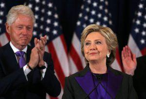 Bill og Hillary Clinton har satt på seg lilla-fanen til George Soros, og viser således sin fulle støtte til det pågående forsøket på sivil uro og statskupp i USA.